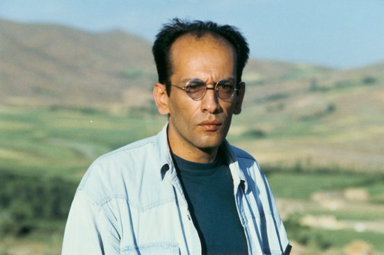 Behzad Dorani as the Engineer in a still from 'The Wind Will Carry Us' (1999, Copyright MK2)