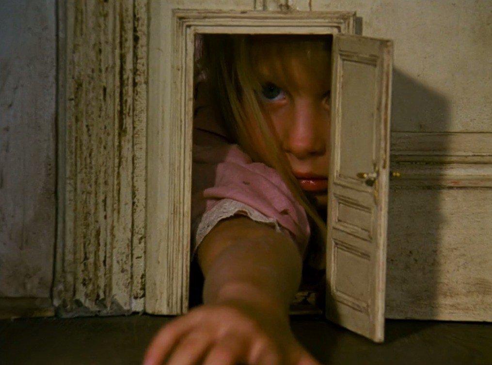 The omnipresent Alice