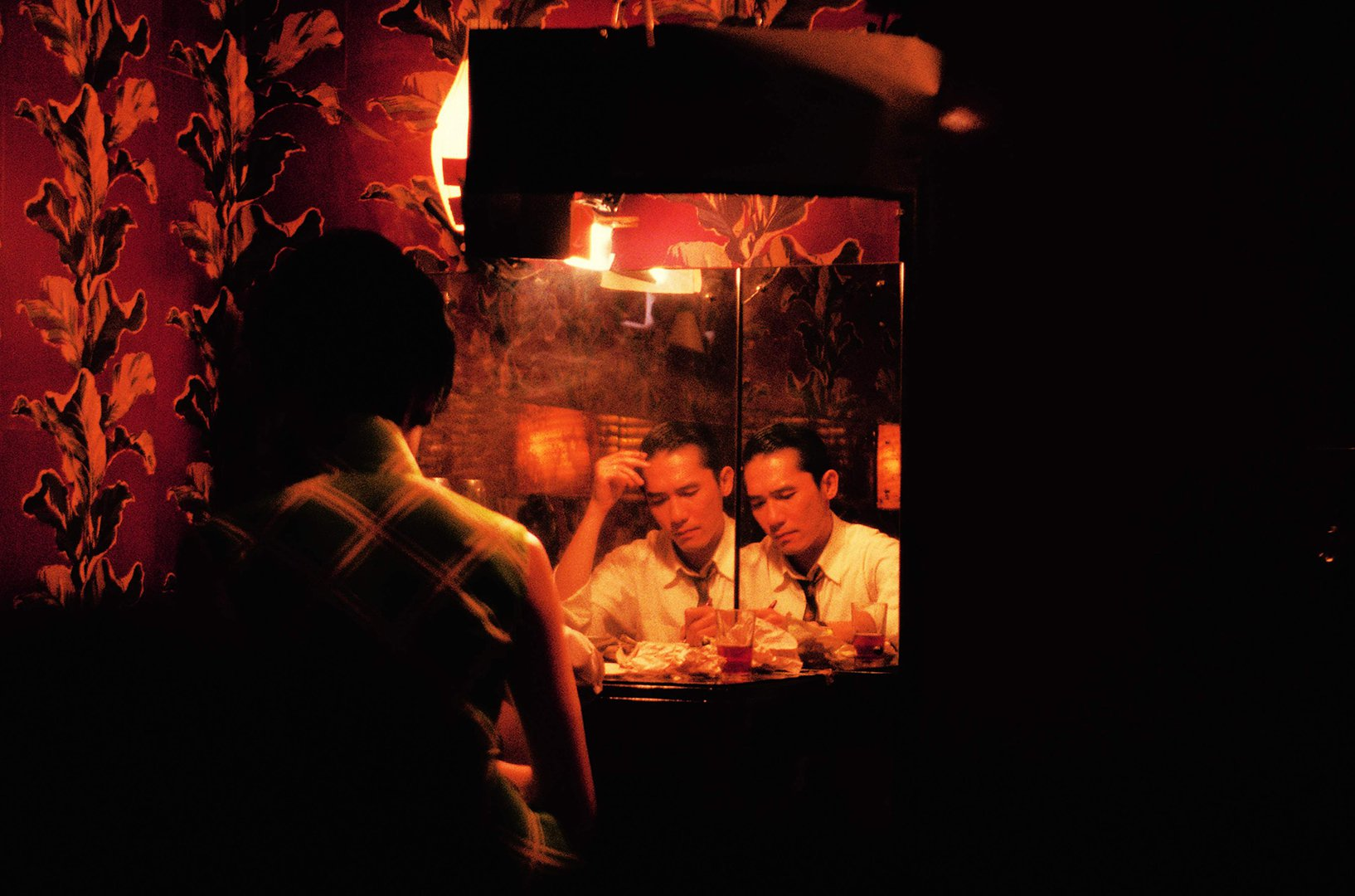A mirror image of Mr Chow - In the Mood for Love