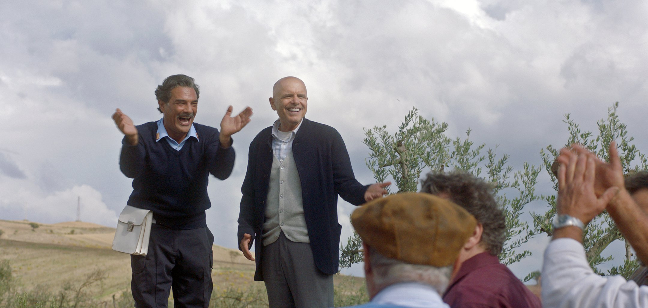 Marco Leonardi as Luca and Joe Pantoliano as Mark in a stil from 'From the Vine' (2019)