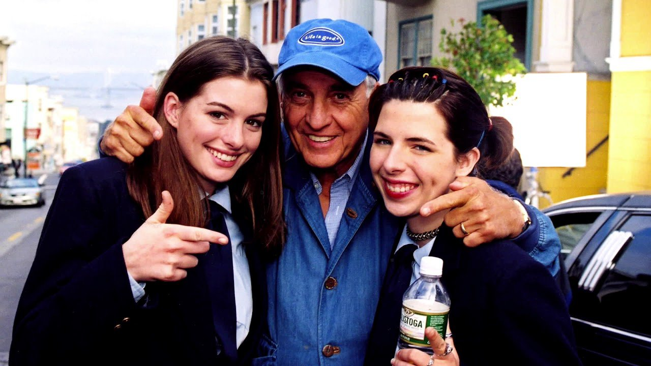 Anne Hathaway, Gary Marshall and Heather Matarazzo on the set of The Princess Diaries (2001).jpg