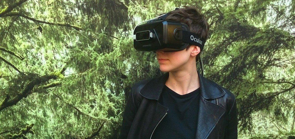 Cassie Tarakajian wearing a VR headset.jpg