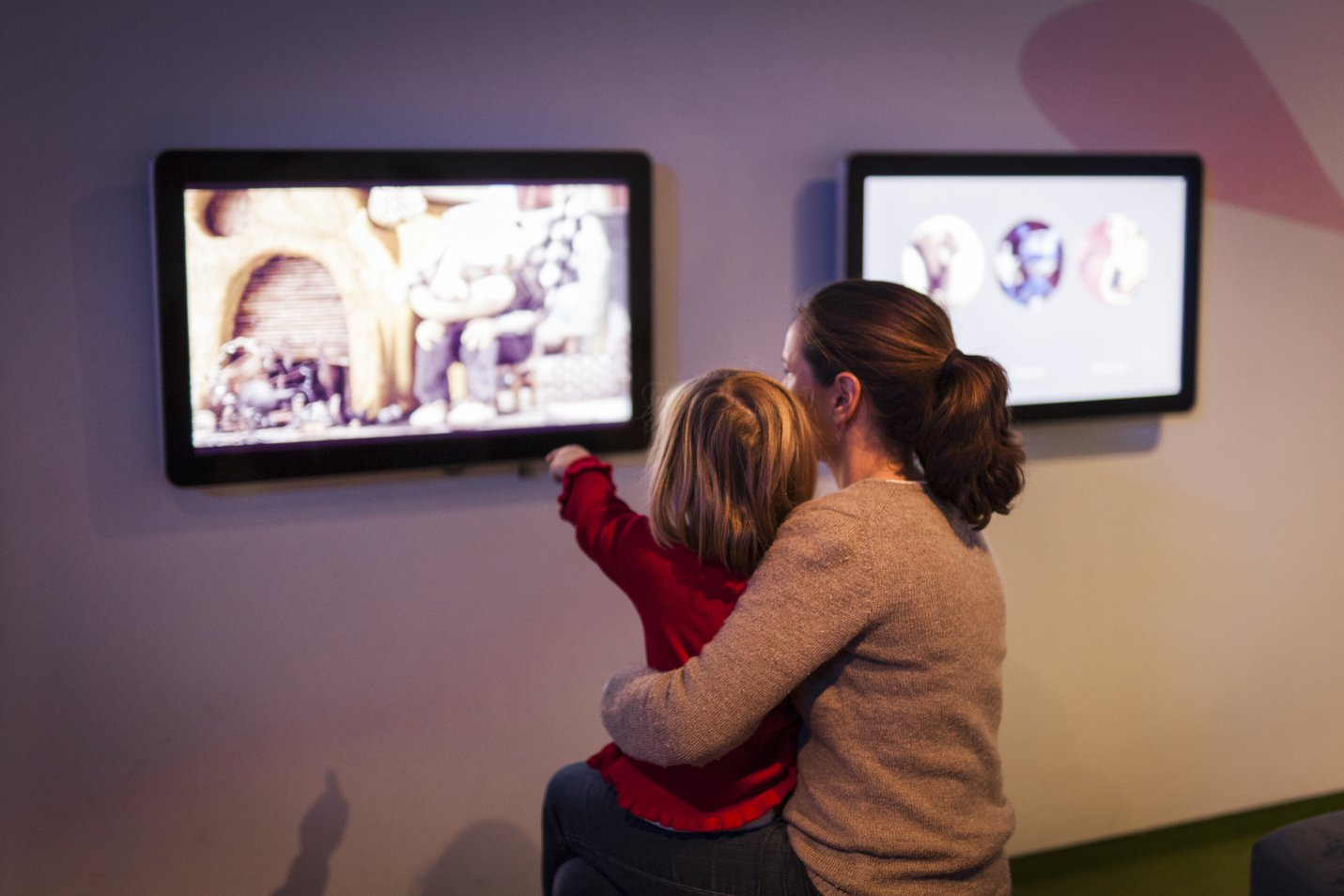 Mother and daugter interacting with screens at ACMI - Image: Charlie Kinross