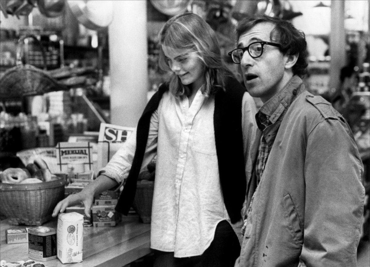 Woody Allen in a shop in Manhattan film