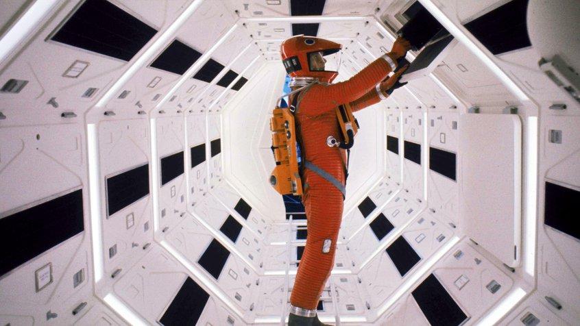 2001: A Space Odyssey - hallway scene