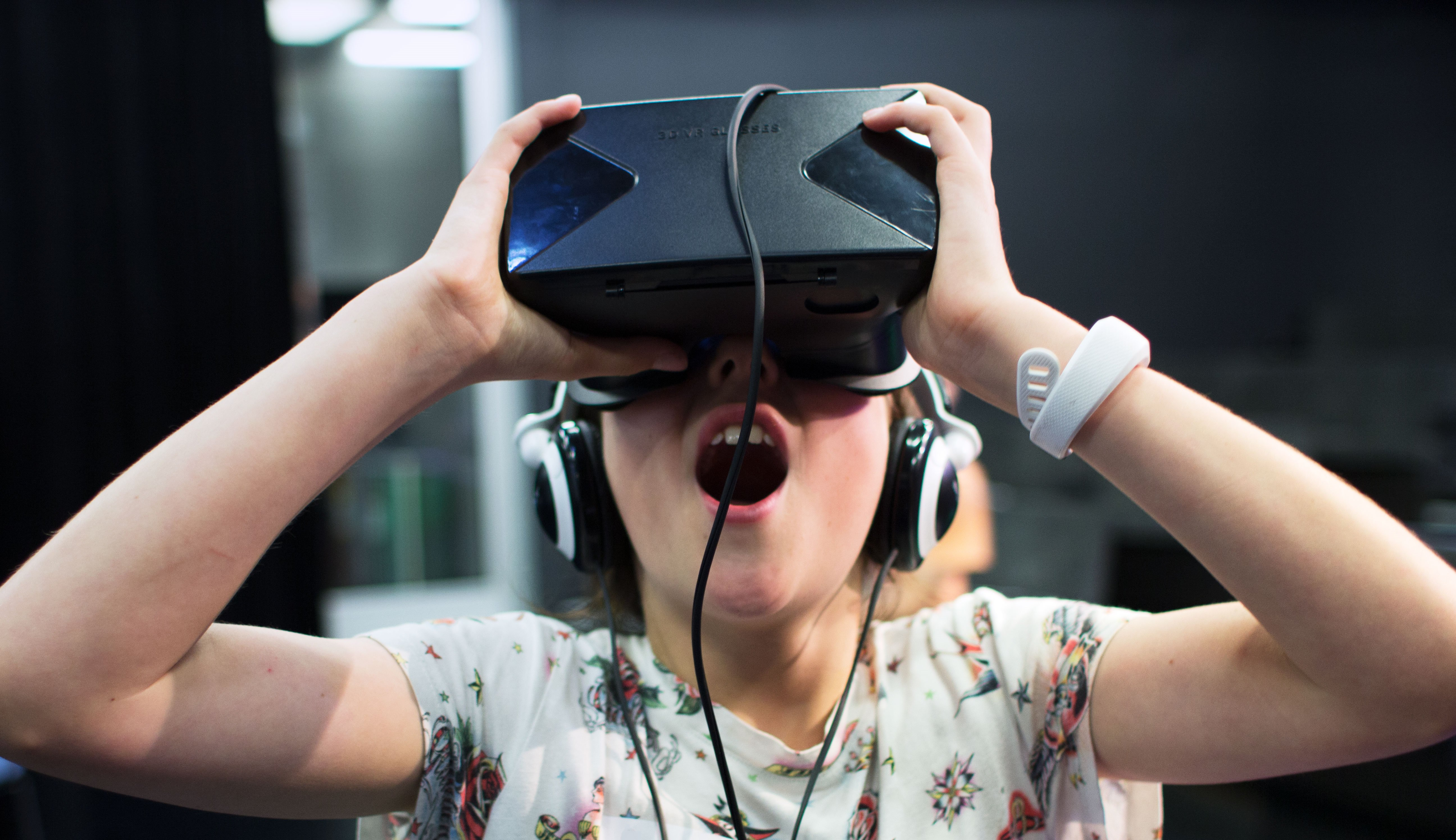 Student at ACMI using a VR headset