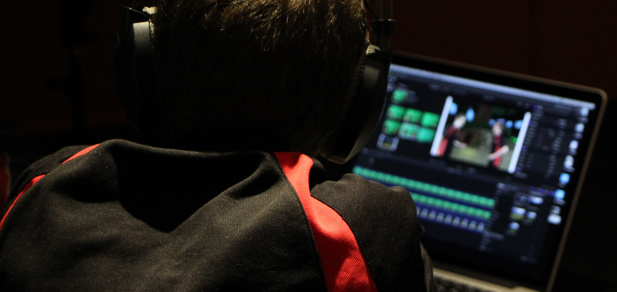 Student editing film 2160 x 1023
