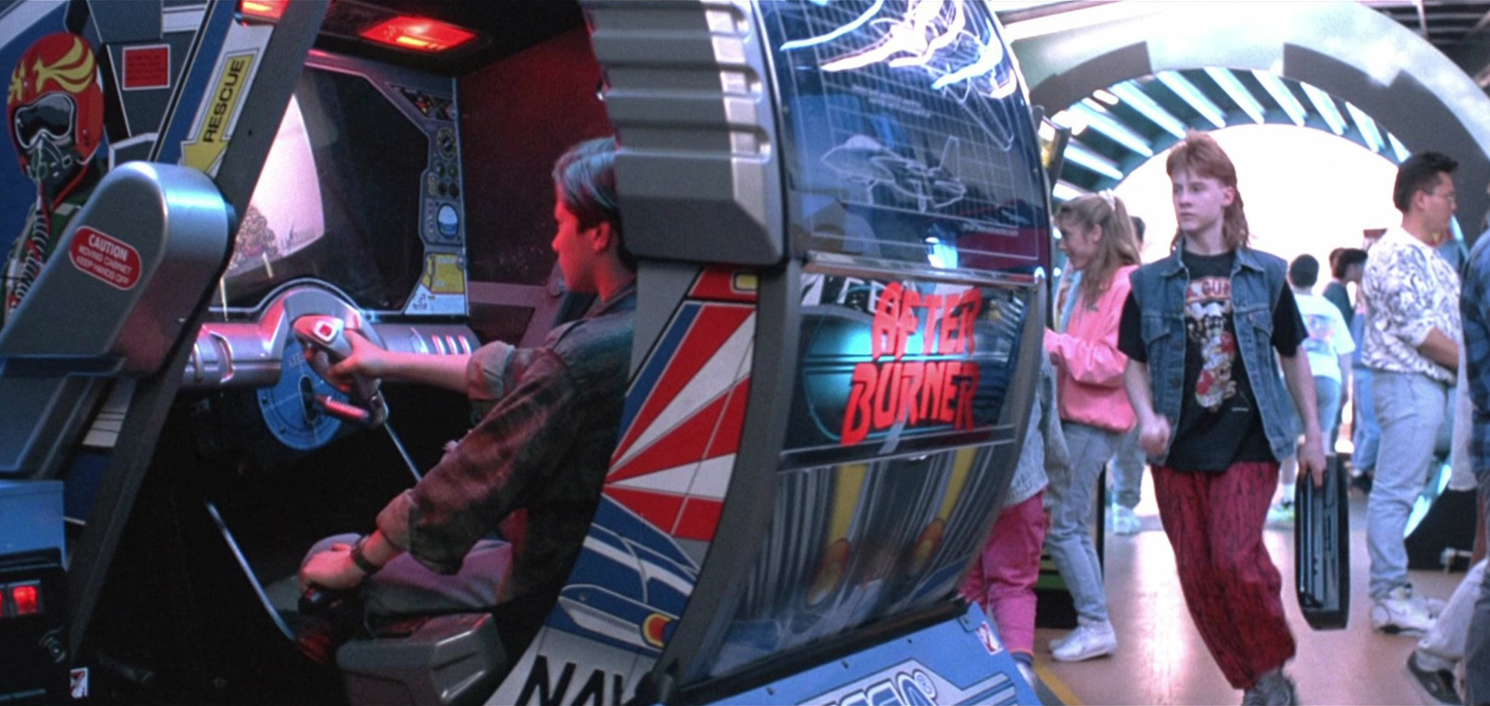 Terminator 2- Judgment Day - John Connor plays an arcade game