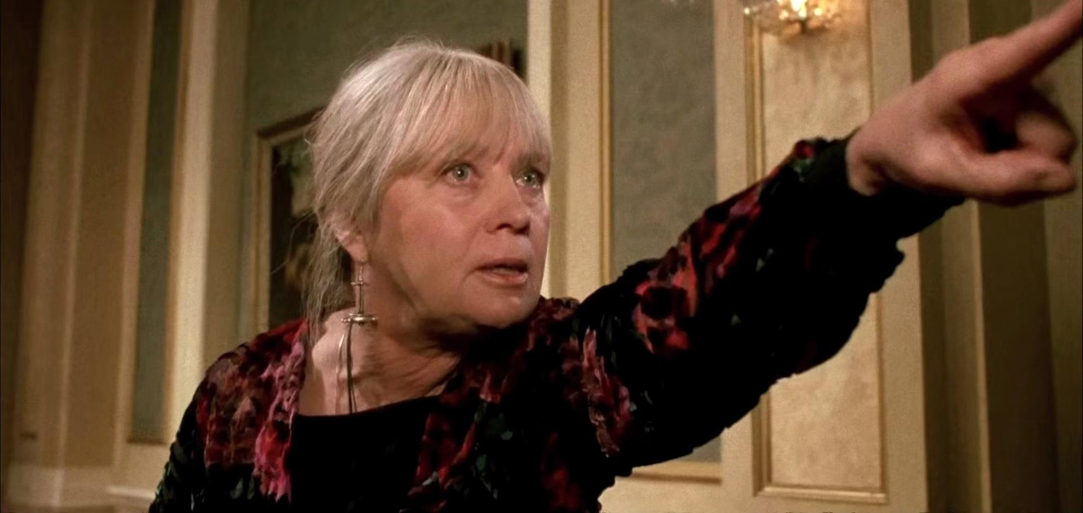 Mai Zetterling as Grandma Helga pointing in a still from ' The Witches' (1990)