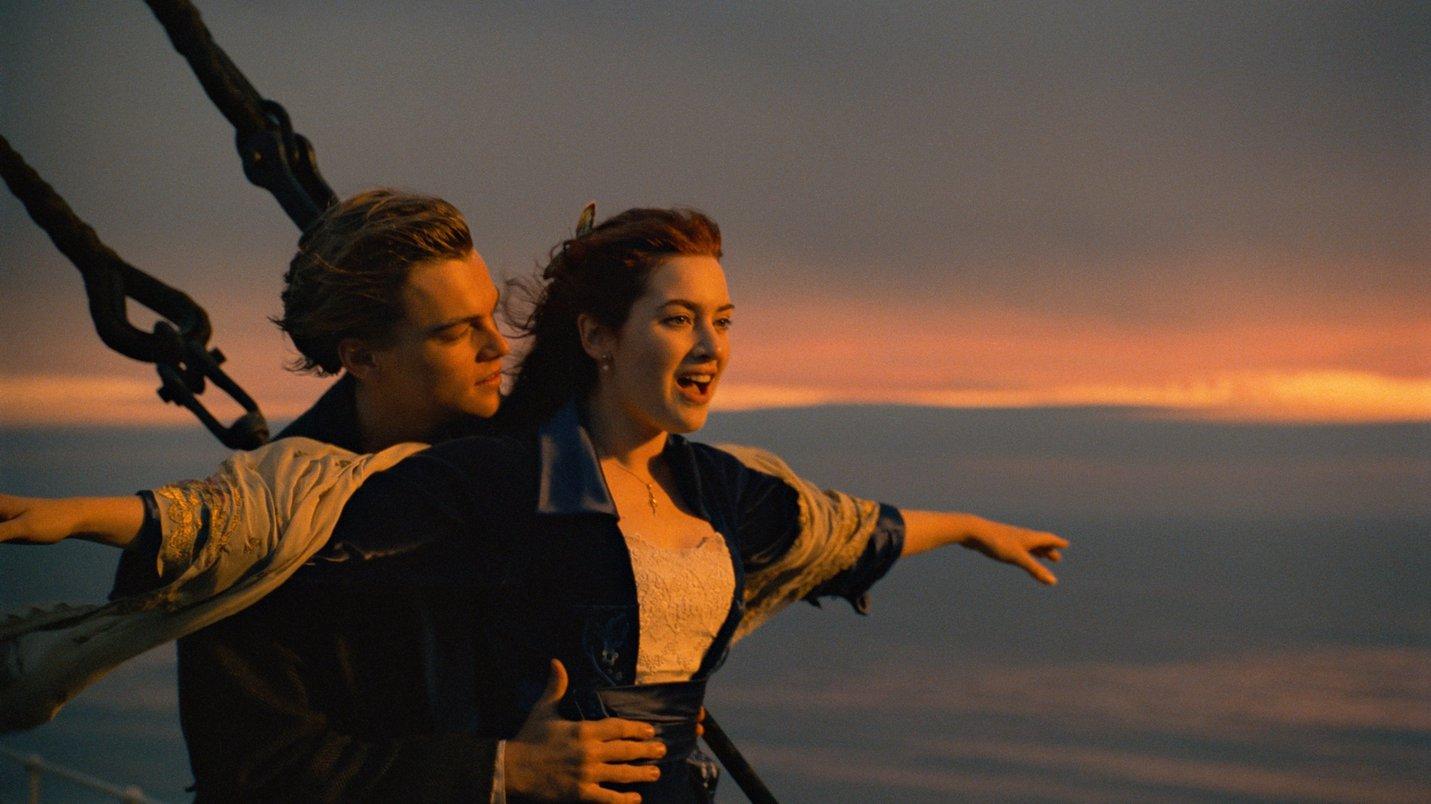 Mid shot Titanic