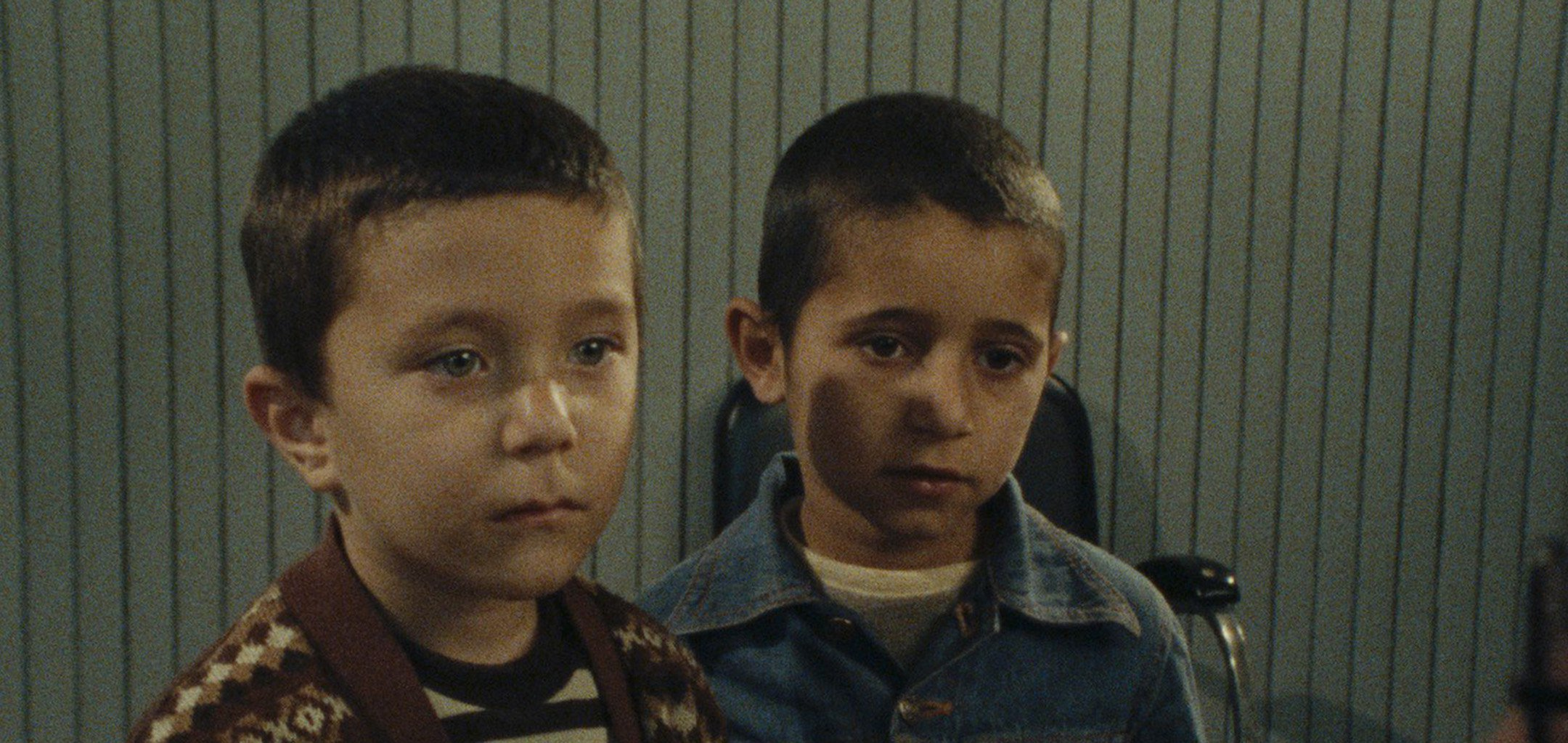 Two young boys featured in First Graders (1985)