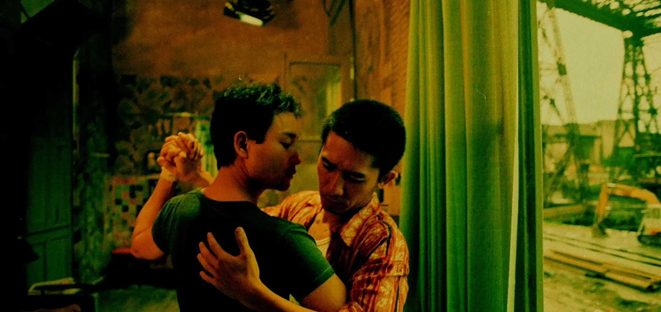 Happy Together - Leslie Cheung and Tony Leung dancing