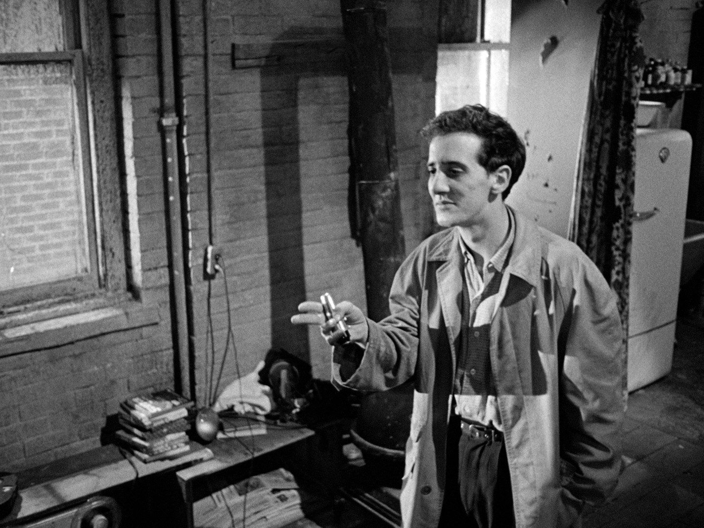 Warren Finnerty as Leach in a still from 'The Connection' (1961)