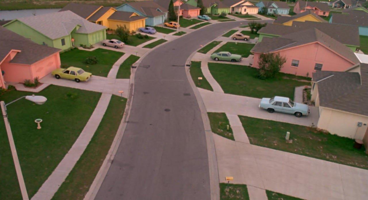 Edward Scissorhands suburbia