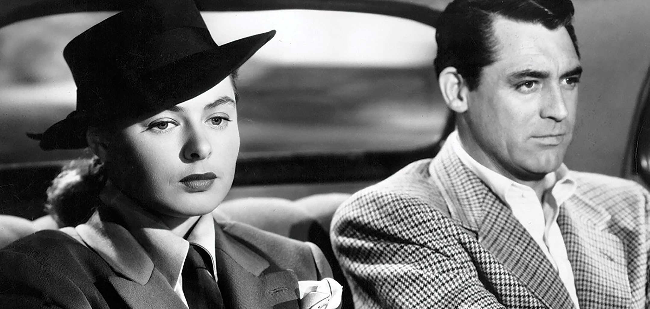 Ingrid Bergman and Cary Grant in a car in a still from 'Notorious' (1946)